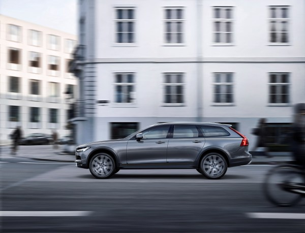 New Volvo V90 Cross Country Driving Nybergs Bil